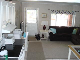 Cape May 1 Bdr Condo 1/2 block to beach (pool) - Cape May vacation rentals
