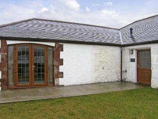 GROUSE COTTAGE, pet friendly, country holiday cottage, with a garden in Lockerbie, Ref 5283 - Lockerbie vacation rentals