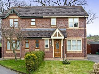 FAIRFIELD, family friendly, country holiday cottage, with a garden in Chirk, Ref 4577 - Wrexham County vacation rentals