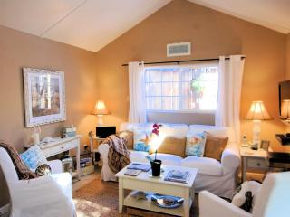 Walk to Downtown! Beautiful Beach Cottage Decor! Luxurious! - Pacific Grove vacation rentals