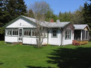 Butler's Cottages 7 min.walk Stanhope Nat. Beach - Stanhope vacation rentals