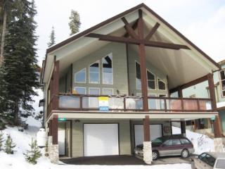 Lindsays Lodge - Big White vacation rentals