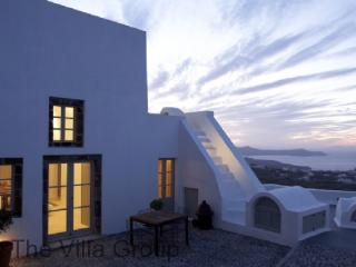Charming 3 Bedroom-1 Bathroom House in Santorini (Villa 38546) - Pyrgos vacation rentals