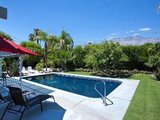 Monterey Garden House ~ Special - Take 15% off 5 Nights thru 8/28! - Palm Springs vacation rentals