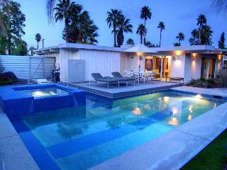 Artsy Escape ~ SPECIAL - TAKE 15% OFF ANY 5 NT STAY THRU 9/28- CALL TO BOOK! - Palm Springs vacation rentals