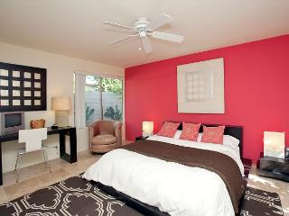 Retro Retreat ~ 15% off 5 night stay thru 8/28 - Palm Springs vacation rentals