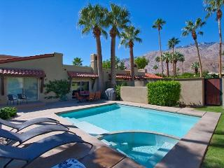 Ventana Bungalow ~ Special ~ 15% off 5 night stay thru 10/1 - Palm Springs vacation rentals