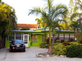 A Lime Cottage Pool beach house..Ahhh this is it!! - Anna Maria Island vacation rentals