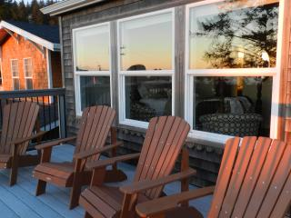 Two large decks looking at the Ocean - DON & KAY Perepchuk