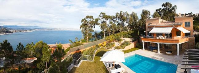 "Superb villa in ""green zone"" area. Unbroken sea and mountain views - Luxury villa in Théoule for rent. Great sea view. - Théoule sur Mer - rentals"