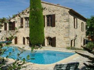 La Fenice - Charming restored property in Luberon - Montjustin vacation rentals