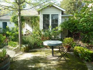 Healdsburg Cottage - Healdsburg vacation rentals