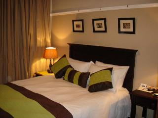 Hampton Court Guest House and Self-catering accom - East London vacation rentals