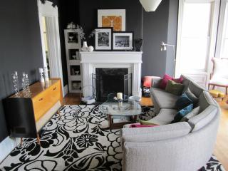The Painted Lady: Grand 1880 Queen Anne Victorian - San Francisco vacation rentals