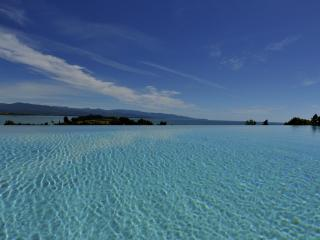beachfront luxury villa with infinity pool - South Island vacation rentals