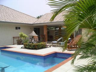 2 Bedroom private pool villa. Fully air-conditioned. Free WIFI. - Prachuap Khiri Khan Province vacation rentals
