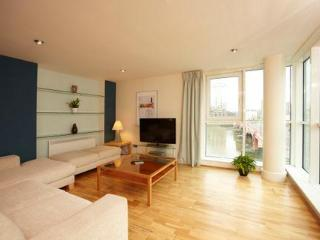 The Thames View 2 Bedroom 2 Bathroom Apartment - London vacation rentals