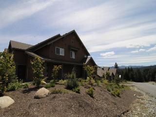 Highly Appointed Townhome w/ Pool *Avail This Weekend!! Bk 3 Get 4th NT FREE! - Cle Elum vacation rentals