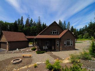 Upscale Home Near Lake! Pool, Priv Hot Tub, Wi-Fi, 3BD*Slps10 - Cle Elum vacation rentals