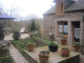 Beautiful 1 bedroom cottage in Dinan (B016) - Brittany vacation rentals