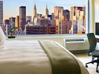 Luxury!New York Midtown East Apartment For 4 - Paris vacation rentals