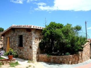 Villa with exclusive garden to 200m from the beach - Sardinia vacation rentals