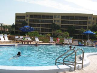 Award Winning Rental...Beach Access...Great Value! - Sarasota vacation rentals