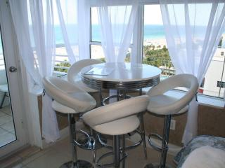 The Best Ocean front/view w Balcony, free wifi - Miami Beach vacation rentals