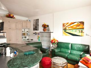 Vital - 2090 - Paris - Milan vacation rentals