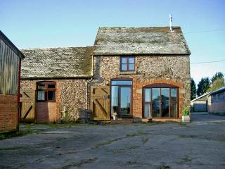 THE OLD STABLE, family friendly, character holiday cottage, with a garden in Weston, Ref 4533 - Upton Cressett vacation rentals