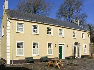 THE COACH HOUSE, pet friendly, country holiday cottage, with a garden in Corofin, County Clare, Ref 4609 - Corofin vacation rentals