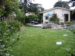 Cozy Gardens - San Francisco Bay Area vacation rentals