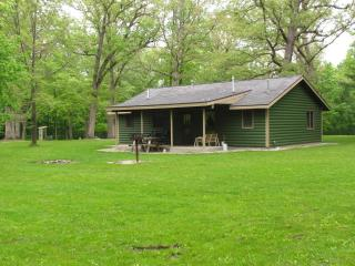 Kishauwau Cabins near Starved Rock Utica IL Illini - Illinois vacation rentals