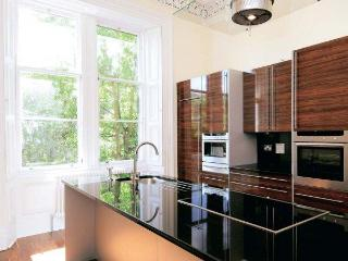 Edinburgh Large Town House Apartment - Edinburgh vacation rentals