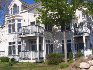 Adorable First Floor Condo, Steps to Lk MI Beaches - Northwest Michigan vacation rentals