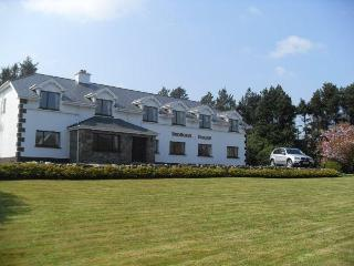 Benbaun House - Large Luxury Self Catering House - Connemara vacation rentals