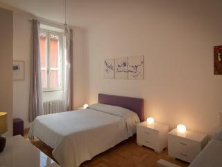 AP28 Rome Accommodation Condotti - Rome vacation rentals