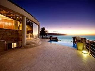5 bedroom villa Camps Bay - View-tiful: Views, Gym,Foosball and Pool Table - Camps Bay - rentals