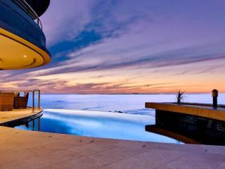 Azure Views, 5 minute walk to beach - Camps Bay vacation rentals