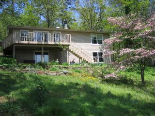 Greer's Ferry Lake View Home 4 BR - 2,114 sq. ft. - Greers Ferry vacation rentals