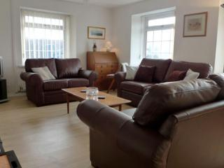 Pet Friendly Holiday Cottage - Ty Sant, Croesgoch - Croesgoch vacation rentals