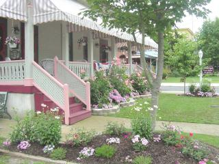 Spacious 4 bedroom Apt - 2 1/2 blocks to beach - Cape May vacation rentals