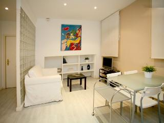 Madrid Salamanca Best District Goya Apartment - World vacation rentals