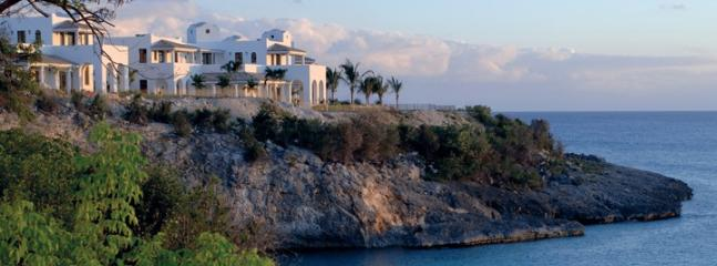 La Samanna Villas...French St Martin...cliffside overlooking the sea and Baie Long - LA SAMANNA VILLAS... the ultra luxurious cliffside villas of La Samanna over looking beautiful Baie Longue - Baie Rouge - rentals