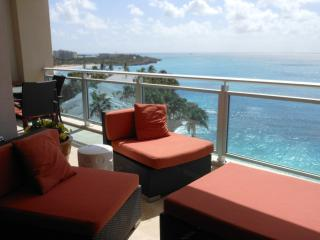 CHEZ SOCOLISA... contemporary condo at The Cliff on Cupecoy w/ tennis, gym, spa, beautiful beach! - Cupecoy vacation rentals