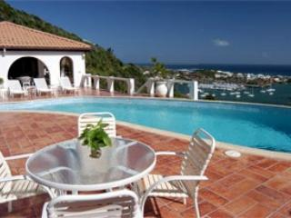 THE ARCHES... Oyster Pond, Dutch St. Maarten - THE ARCHES... Oyster Pond at it's finest! Wonderful hillside villa... - Oyster Pond - rentals