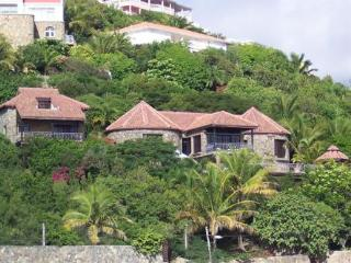 STONE HOUSE... beautiful 4 BR villa overlooking Oyster Pond...can walk to Dawn beach - Terres Basses vacation rentals