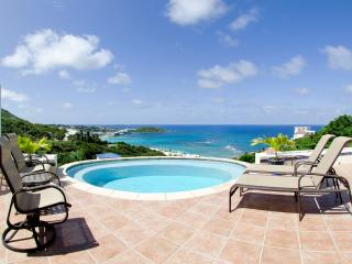 BEACH DAZE... Cozy villa on top of the hill in Dawn Beach Estates - Terres Basses vacation rentals