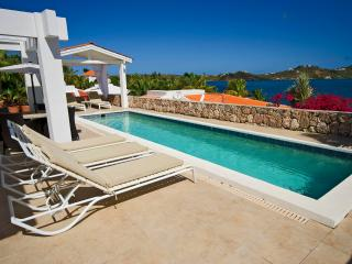 DOLCE DOLCE CASA...breathtaking panoramic views of Simpson Bay Lagoon - Terres Basses vacation rentals