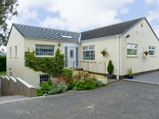 WHITE GABLES, family friendly, country holiday cottage, with a garden in Great Clifton, Ref 4587 - Cumbria vacation rentals